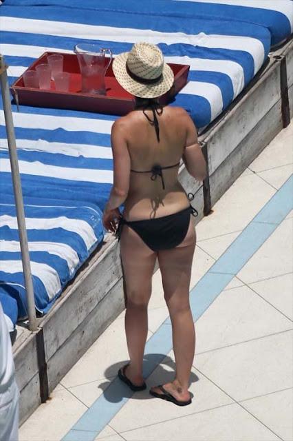 Katy-Perry-Shows-Off-Her-Sexy-Bikini-body