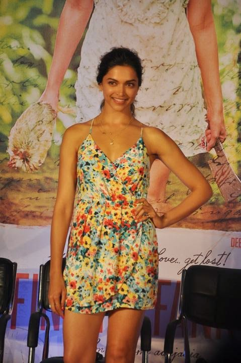 deepika hot cleavage thigh upskirt picture
