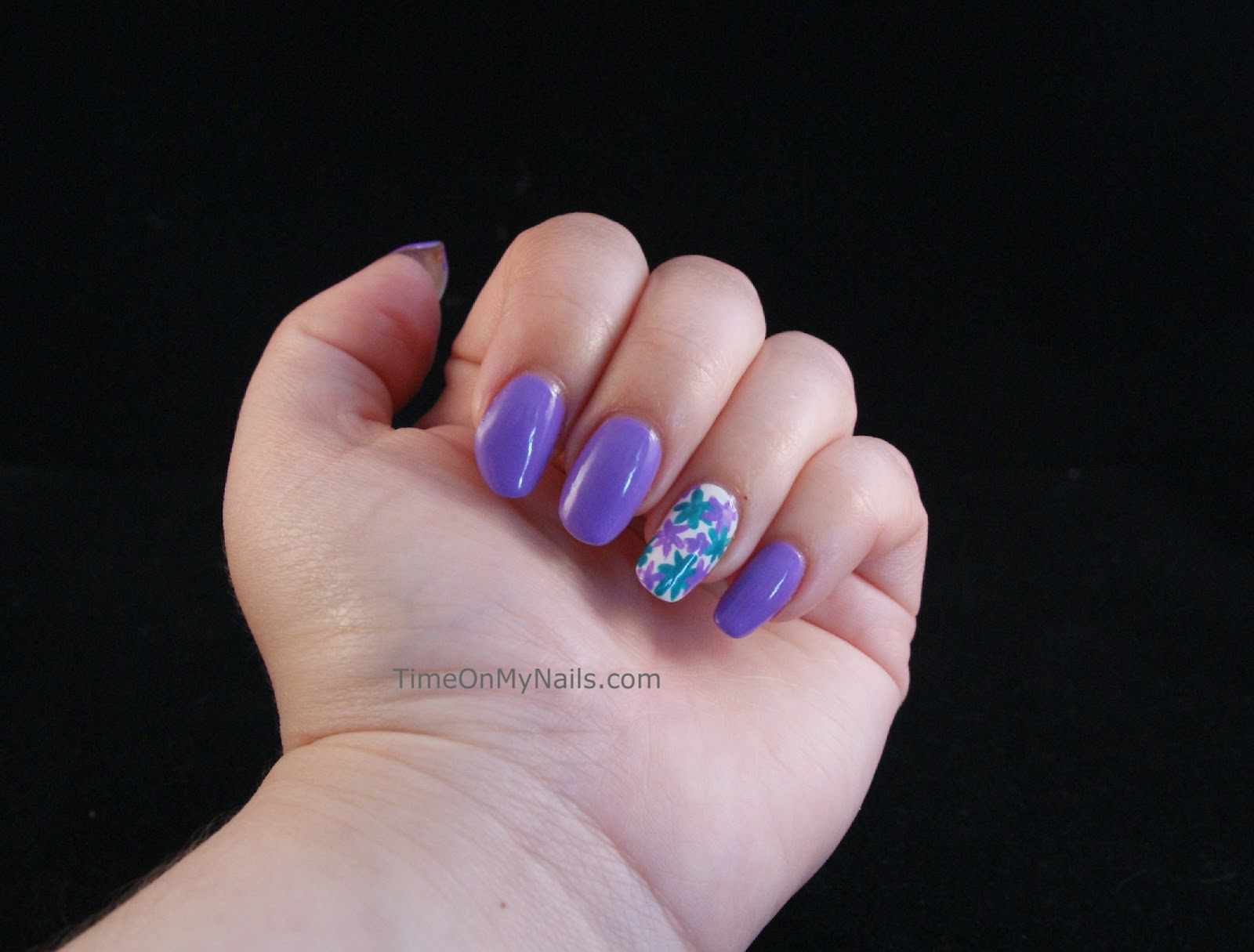 Drawing Lines On Nails : For nail art beginners who would like to practice drawing