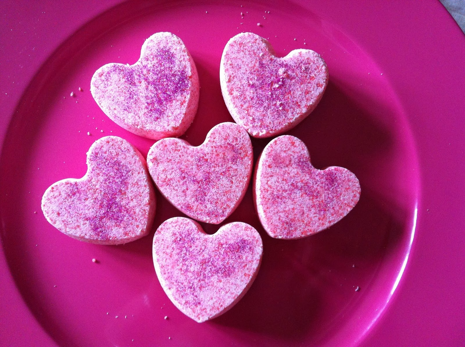 http://serenaloserlikeme.blogspot.it/2014/01/valentines-day-gift-idea-diy-lush.html