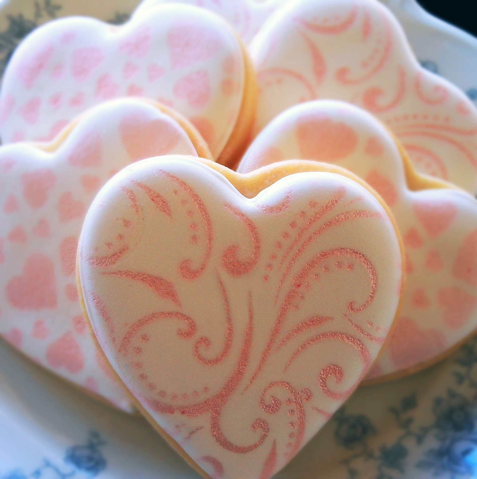 My Cookie Clinic: HEART AIRBRUSHED COOKIES/ My New Toy