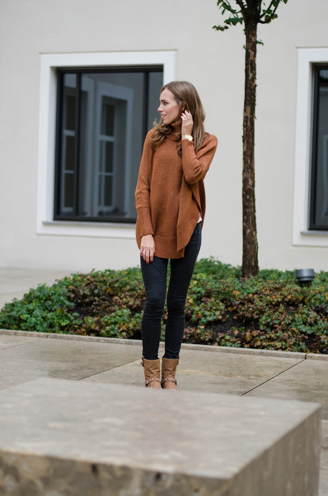 kristjaana mere lindex camel cognac roll neck sweater fall outfit