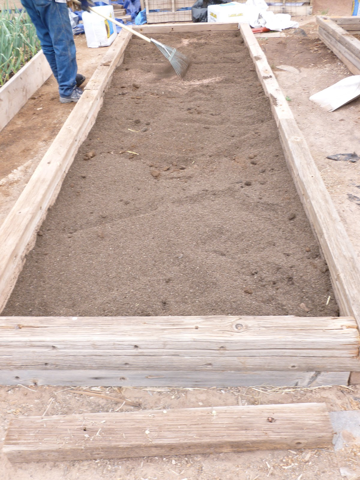 Dusty River Gardens: Soil mix for Raised Beds