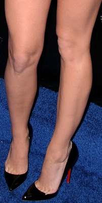 Katy Perry Toe Claevage and Legs