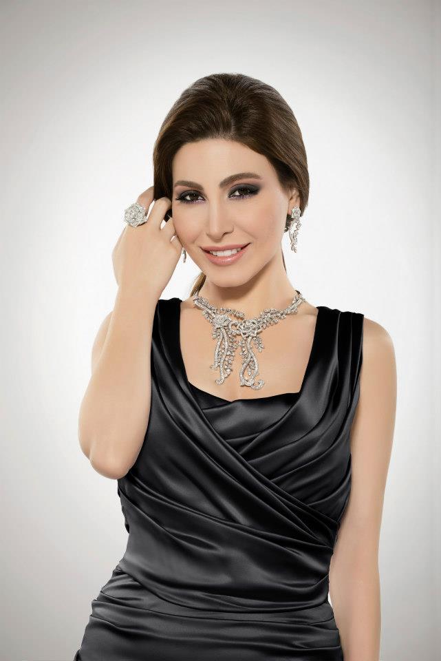 يارا , صور يارا , فساتين يارا , المطربة يارا , أزياء يارا , جينز , المغنية يارا , الفنانة يارا , يا لبنانية , مطربة , أغاني يارا