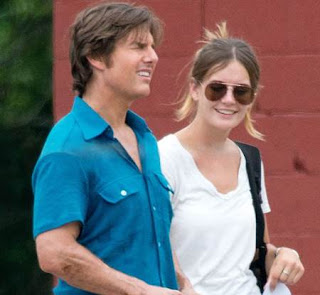foto Wow.. Tom Cruise Berpacaran dengan Emily Thomas, Wanita Cantik Yang Baru Berumur 22 Tahun