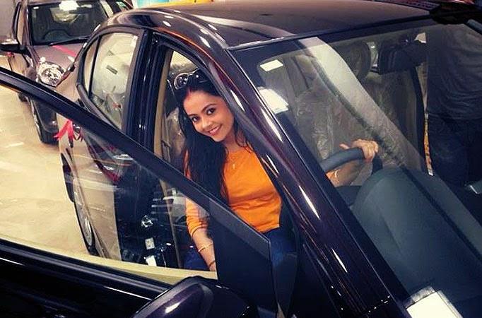 Devoleena Bhattacharjee HD wallpapers Free Download