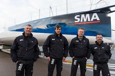 Le team SMA au moment de la mise à l'eau