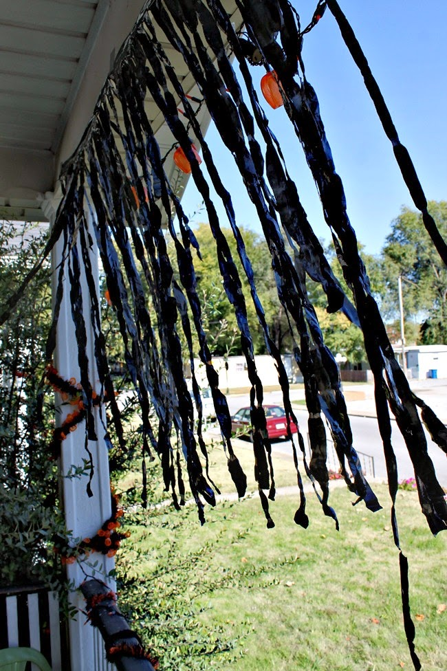 trash bag halloween streamers DIY