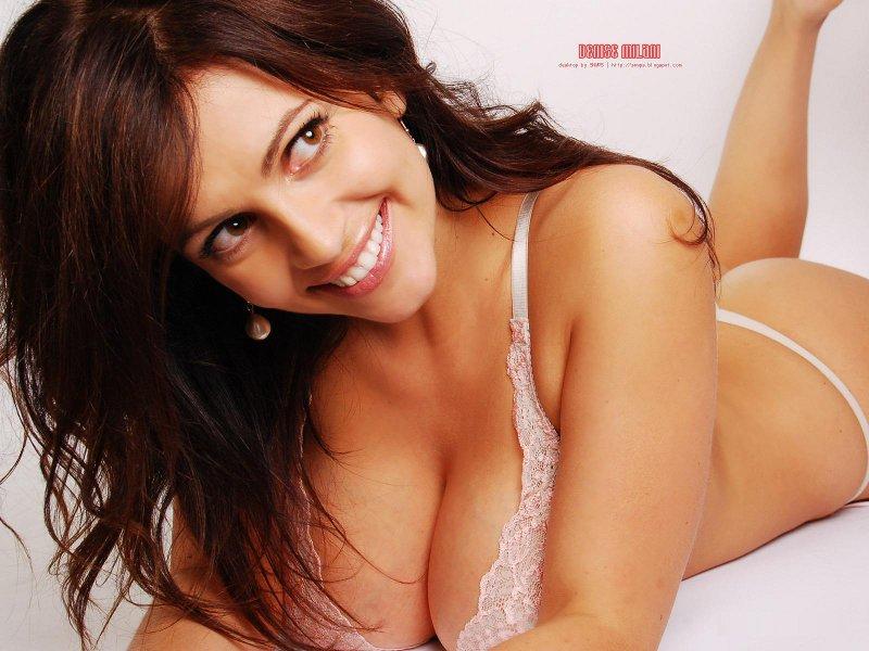 A Avantajada Denise Milani