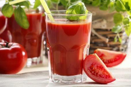 10 Manfaat Konsumsi Jus Tomat Secara Rutin