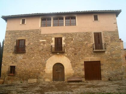Façana principal del mas Vilageliu