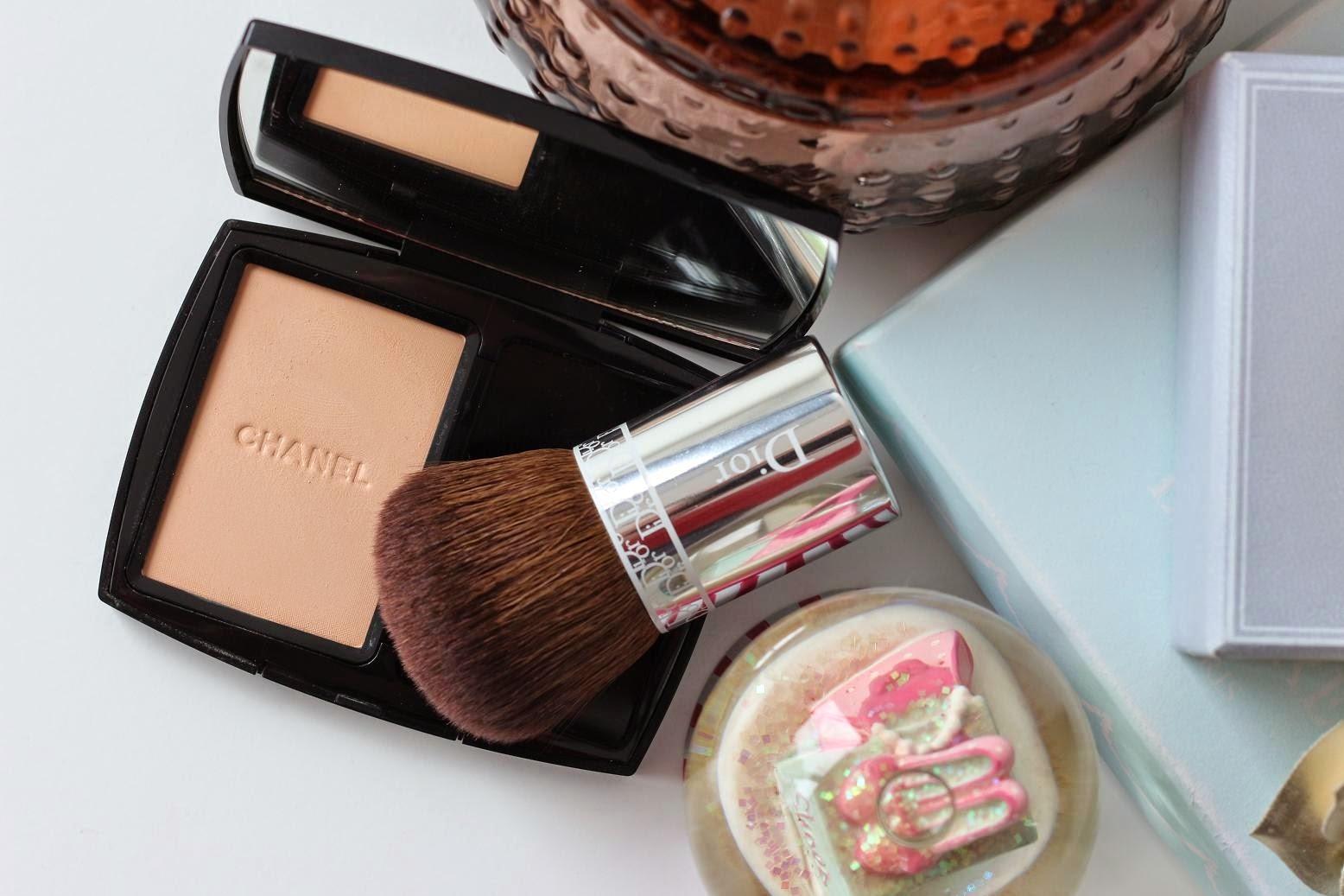 Chanel Vitalumière Compact Douceur