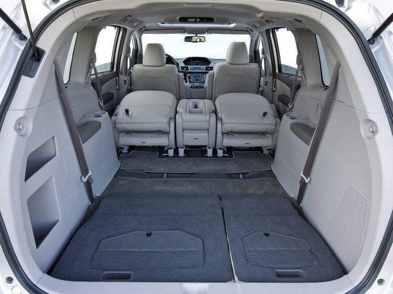 the new Odyssey makes a more logical more compelling argument than a truck-based SUV and many full-size crossovers & auto blog: new 2011-2012 honda odyssey- details and video