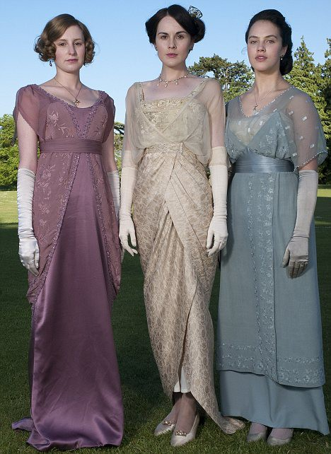 Cool BeadingIntricate Beading Was Seen On Almost All The Womens Dresses On Downton Abbey Even In The 1900s, The Girls Needed A Little Bling Bling! Look At The Beautiful Bead Work On The Dresses Worn By The Crawley Girls Left, Lady Sybil