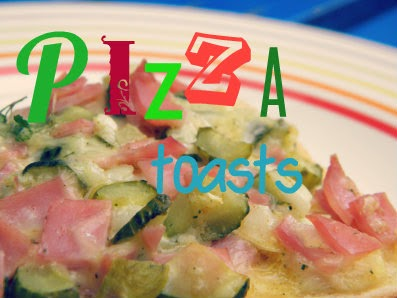 Little kitchen recipe for making pizza toasts!