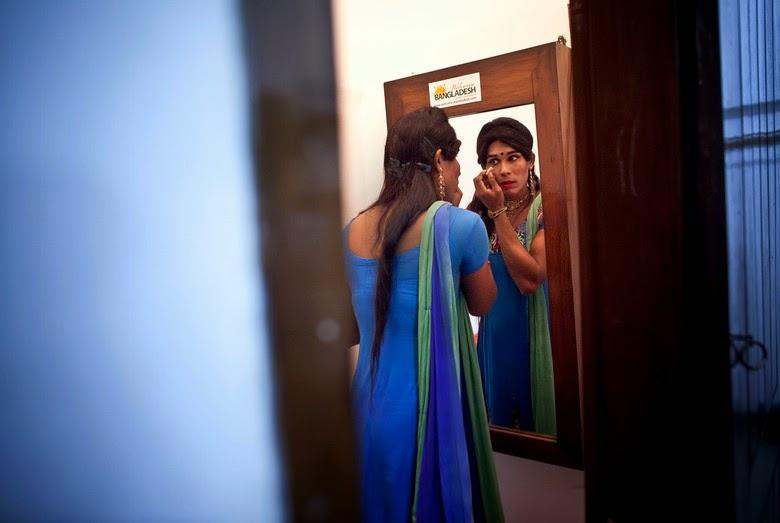 India  Made History by Selecting Madhu Kinnar as  First   Transgender Mayor