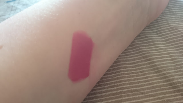 Rimmel Provocalips 200 Ill call you swatch