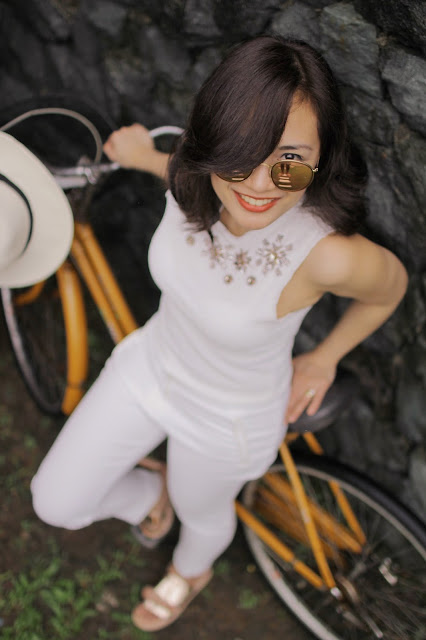 head to toe white, lipa batangas, la finca, rayban metallic pink, flash lens