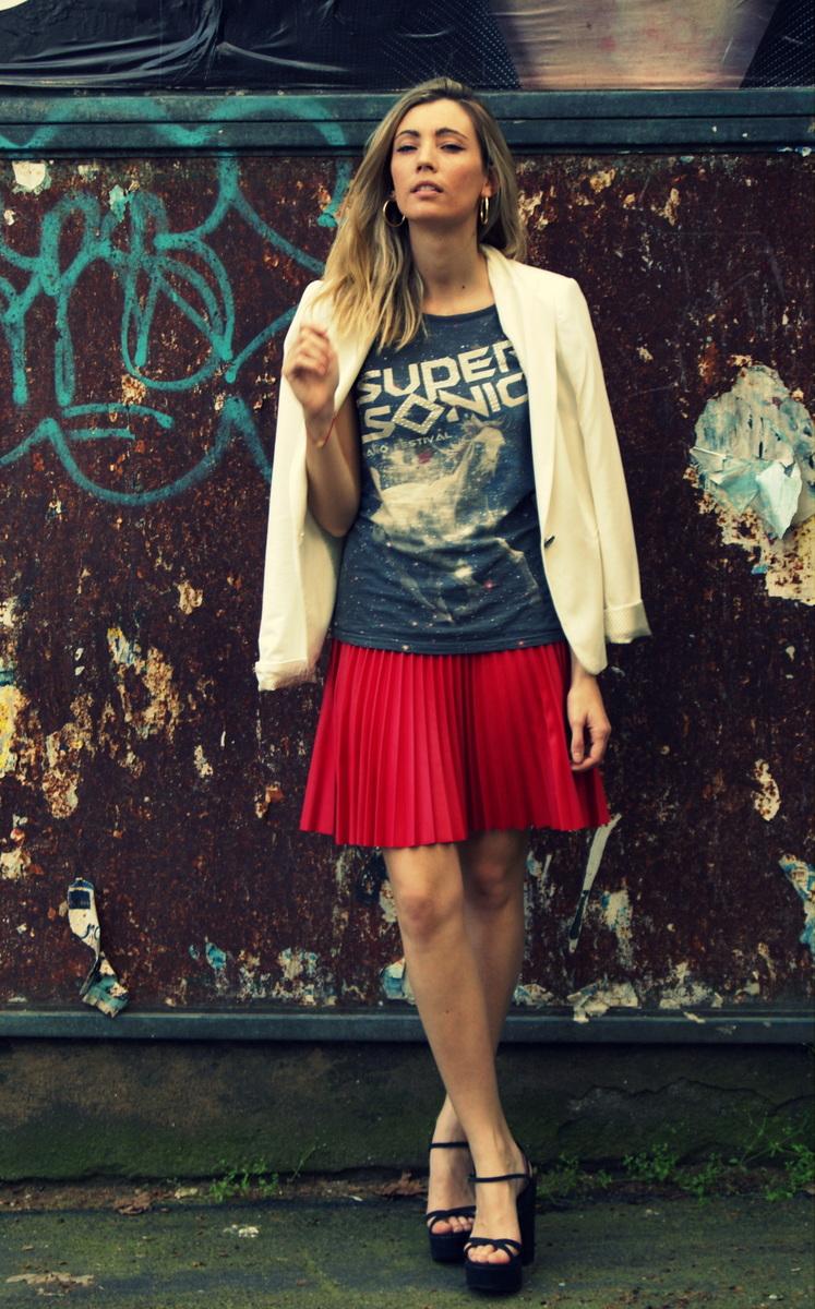 White & Red, love it!-184-mercedesmaya