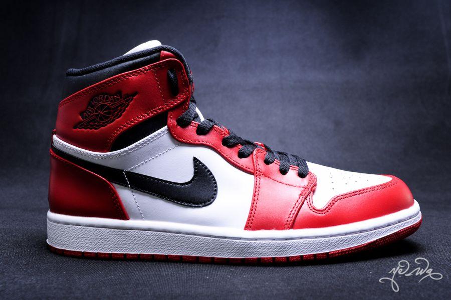 """Nike Air Jordan 1 High """"Bulls"""""""
