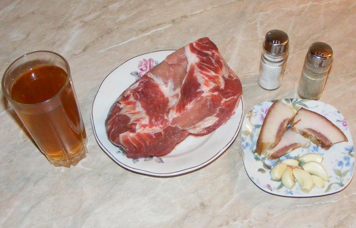 ingrediente pentru friptura din ceafa de porc la cuptor in sos de vin pentru masa de craciun