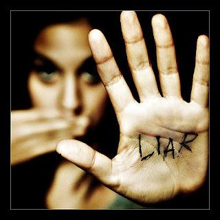wanita-bohong-dalam,4 Ciri Cowok Kamu Sedang Bohong,liar,pembual,omong doank,omdo,bull shit
