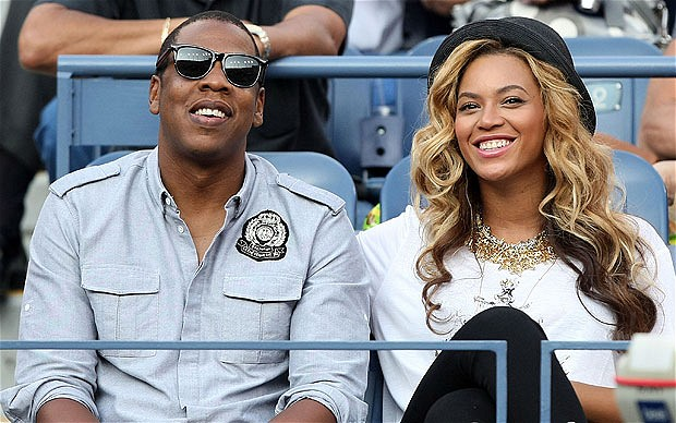 is beyonce dating jay z While they've had their ups and downs, jay z and beyonce proved they put their love on top in honor of the power couple, take a look back at their relationship through the years.