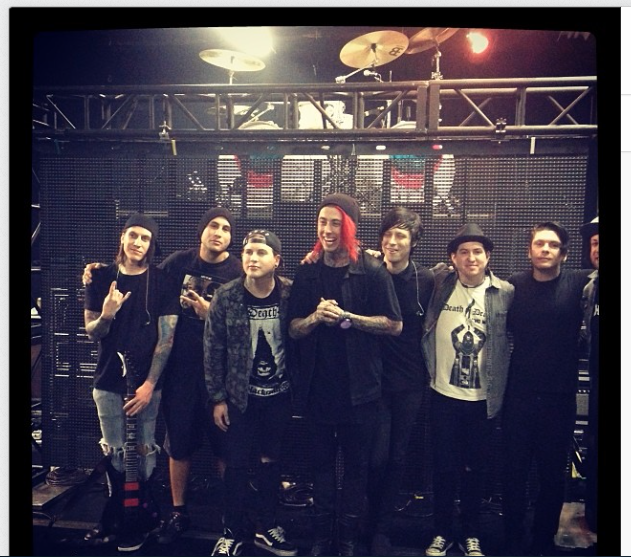 ¿Cuánto mide Craig Mabbitt? - Altura - Real height Screen+Shot+2014-01-14+at+10.10.32+PM