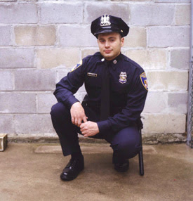 cop in the hood When harvard-trained sociologist peter moskos left the classroom to become a cop in baltimore's eastern district, he was thrust deep into police culture and.