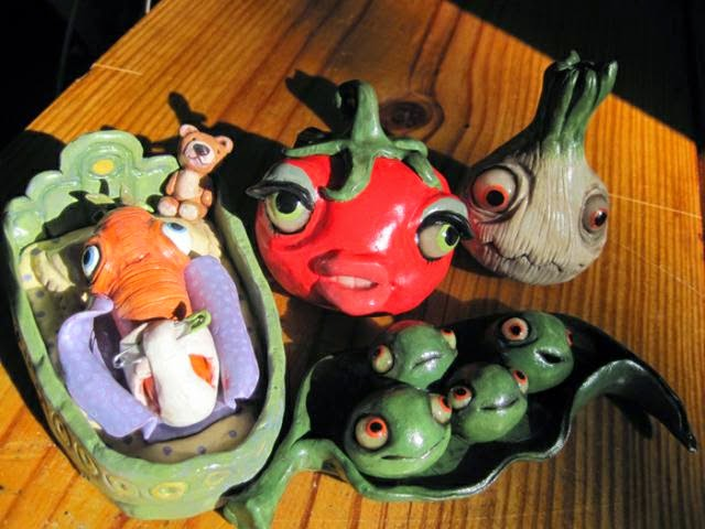 17-Veggie-Group-Deanna-Molinaro-aka-Chickenshoot-Odd-Clay-Sculptures-www-designstack-co