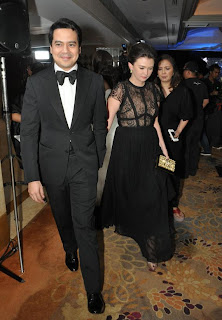 John Lloyd Cruz and Angelica Panganiban spotted holding hands while leaving the Star Magic Ball, September 1