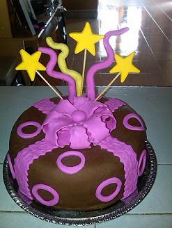 Torta con cubierta laminada de chocolate