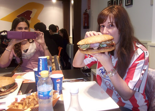 Sporting Molinón Gijón brutus hamburguesa gigante