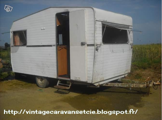 caravanes vintages aux dcors dlirants proposent une version. Black Bedroom Furniture Sets. Home Design Ideas
