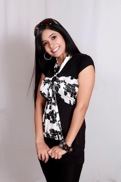 Hot Miss pooja unseen pictures hot photoshoot