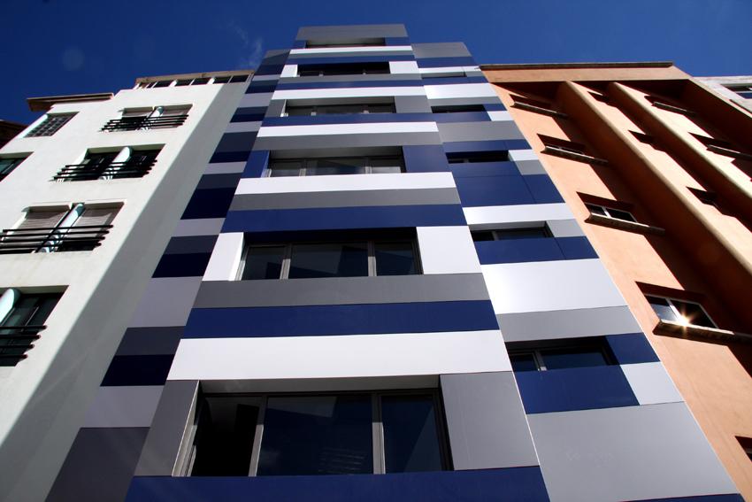 Crea estudio todo luz alta eficiencia energ tica for Exterior oficinas