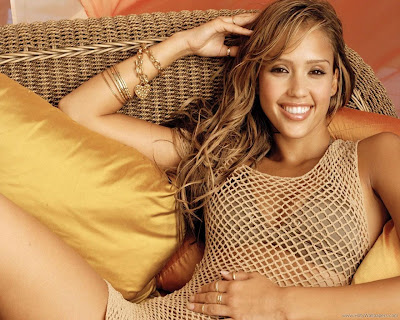 Jessica Alba Hollywood Famous Actress Wallpaper