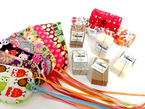 http://www.cotonetpapillon.com/boutique/bien-%C3%AAtre/savons-et-porte-savon/
