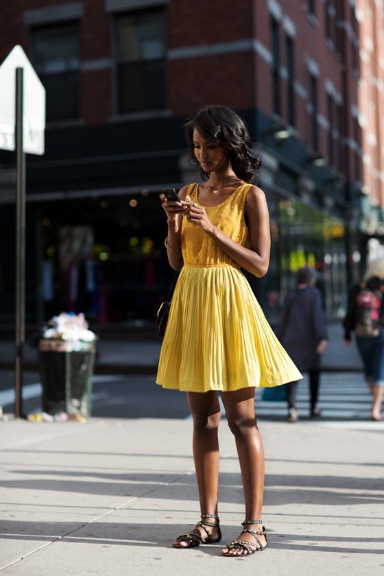 yellow street style