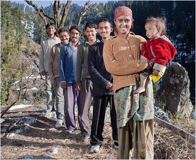 หญิงอินเดียกับสามีทั้ง 5 คน