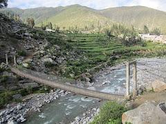 Puente Colgante - En el Rio   Santiago de Chocorvos
