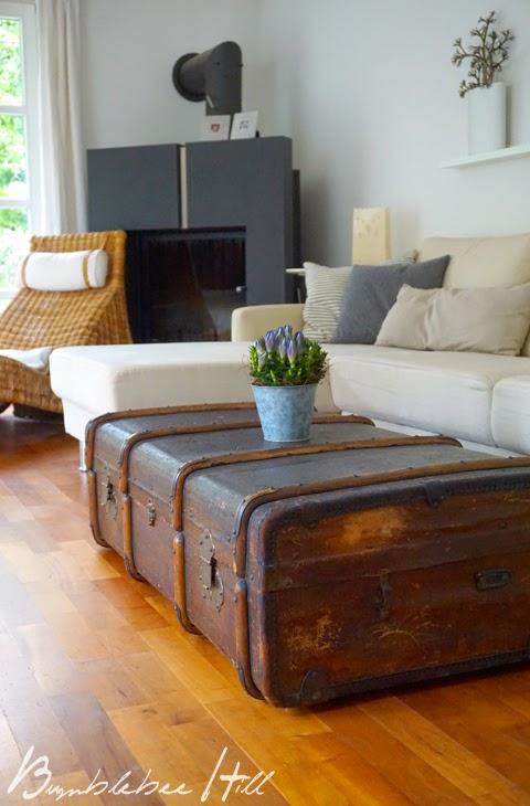 bumblebee hill alter reisekoffer als couchtisch. Black Bedroom Furniture Sets. Home Design Ideas