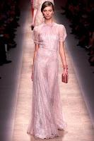 романтична рокля от дантела пепел от рози, на Valentino