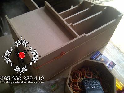 Membuat Pesanan Distributor Souvenir Surabaya dan jakarta