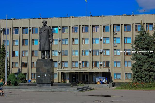 Славянск, лето 2014, площадь, Ленин