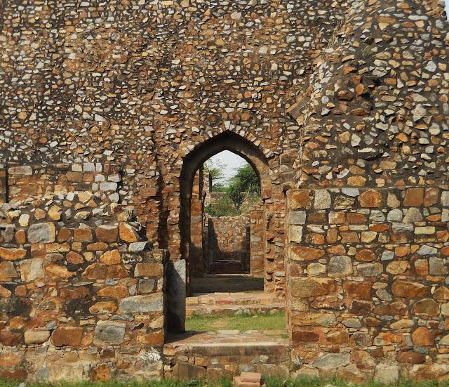 Ghiyasuddin Balban Tomb evenfewergoats: Mehrau...
