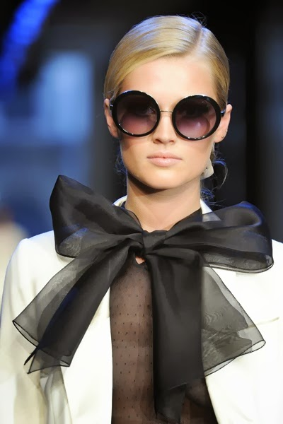 11 ways to wear festive fashionable bows