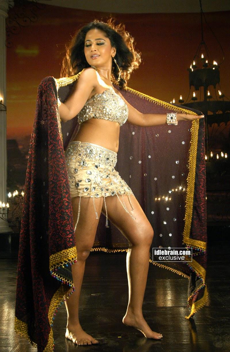 Anushka Shetty Latest Navel Show Stills In Mini Skirt
