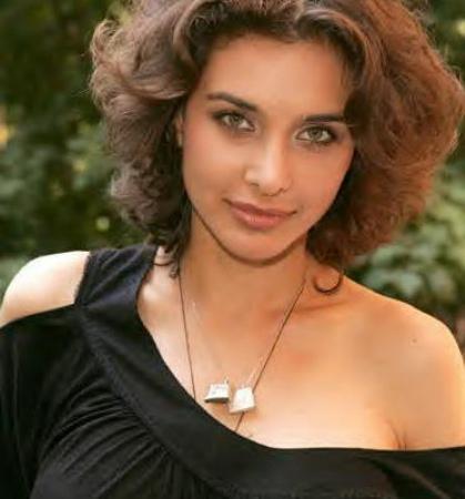 Hot Bollywood Actress Lisa Ray